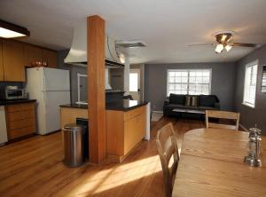 A kitchen or kitchenette at 320 8th Avenue