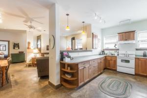 A kitchen or kitchenette at Mission Rock #2