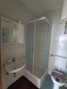 A bathroom at Apartment Lira 2