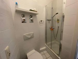 A bathroom at LE-Citywohnung-II