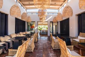 Een restaurant of ander eetgelegenheid bij Vale da Lapa Village Resort