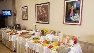 Breakfast options available to guests at Hotel Carmen
