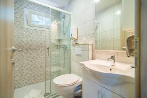 Een badkamer bij Centinera Resort