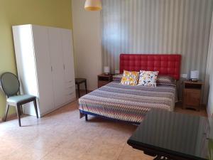 A bed or beds in a room at Apartaments Clot-Sant Martí