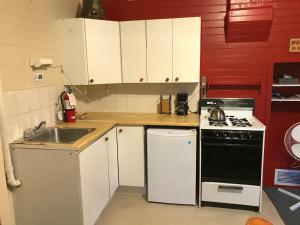 A kitchen or kitchenette at Holiday Lodge Cabins