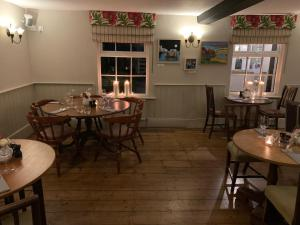 A restaurant or other place to eat at The White Hart Inn