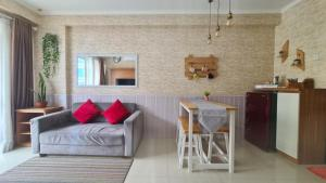 A kitchen or kitchenette at Gateway Pasteur 2BR tower depan Ruby 7 C