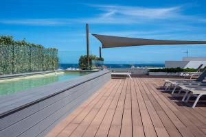 The swimming pool at or near Apartaments B-Llobet Sun & Confort