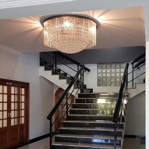 O saguão ou recepção de Hotel Cristal Rio Claro