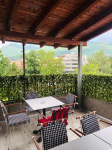 A balcony or terrace at Guesthouse Stone Bridge