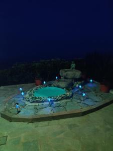 Vista sulla piscina di Casa Bellavista o su una piscina nei dintorni