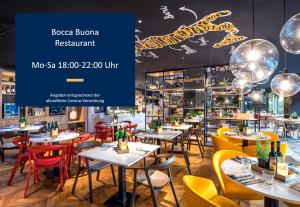 A restaurant or other place to eat at Park Inn by Radisson Stuttgart