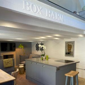 A kitchen or kitchenette at Box Barn - Stylish Accommodation in Rutland