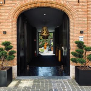 The facade or entrance of Boutique Hotel Sablon