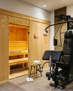 The fitness centre and/or fitness facilities at Le Parisis - Paris Tour Eiffel