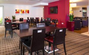 Ristorante o altro punto ristoro di Holiday Inn Express East Midlands Airport, an IHG Hotel