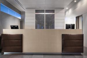 The lobby or reception area at AC Hotel Sants
