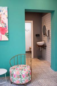 A bathroom at Apartaments B-Llobet Sun & Confort