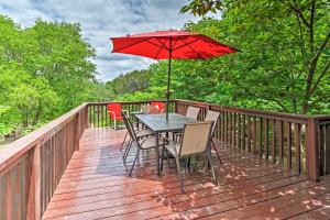 A balcony or terrace at Cozy Jonestown Home Less Than 1 Mile From Lake Travis!