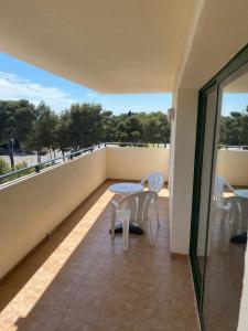 Un balcón o terraza de Festival Village Apartments
