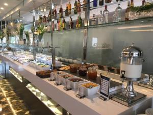 A restaurant or other place to eat at Ohtels Gran Hotel Almeria