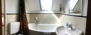 A bathroom at Dormitorium Kaarst