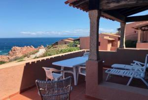 A balcony or terrace at Appartamento vista mare Maya 2