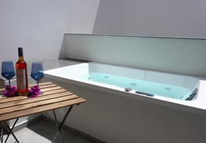 The swimming pool at or near Casa Porto Boutique Hotel - Adults only
