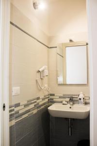Salle de bains dans l'établissement Hotel Sant'Orsola City House