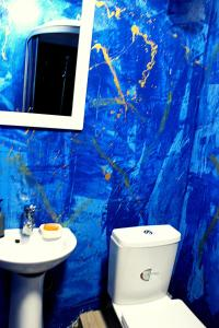 "A bathroom at Apartment on Sumskaya 46 ""Family"""
