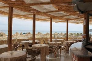 A restaurant or other place to eat at Abamar Hotel
