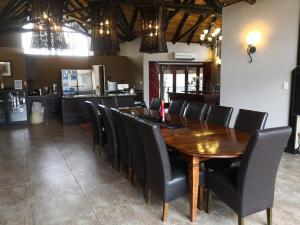 Restaurant ou autre lieu de restauration dans l'établissement Morokolo Safari Lodges
