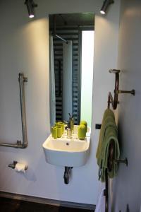 A bathroom at SiloStay
