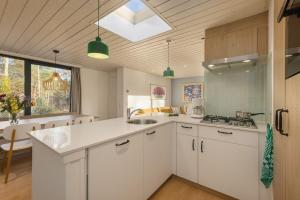 Küche/Küchenzeile in der Unterkunft Center Parcs Bispinger Lüneburger Heide