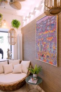Coin salon dans l'établissement GuestReady - Amazing Bali-inspired Retreat in Paris 5th!