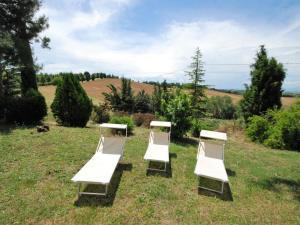 A garden outside Locazione Turistica Filipponi-1