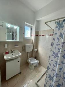 Ένα μπάνιο στο Matina Studios