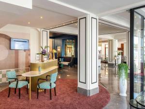 Hall ou réception de l'établissement Mercure Plaza Biarritz Centre