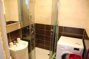 A bathroom at Kawalerka u Michała