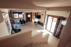 The lobby or reception area at ⋆Harmony Deluxe Villa With View next to Chania⋆
