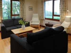 A seating area at Scobach Lodge