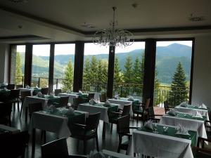 Restaurace v ubytování Beltine Forest Hotel