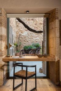 A seating area at Domus Renier Boutique Hotel - Historic Hotels Worldwide