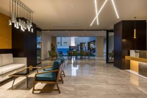 The lounge or bar area at Hyperion City Hotel