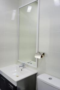 A bathroom at FLYPOD Hotel