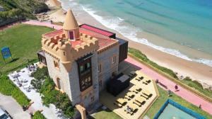 A bird's-eye view of Hotel El Castillo de Los Locos