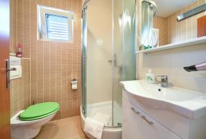 Kúpeľňa v ubytovaní Apartments Ivica Krk Island