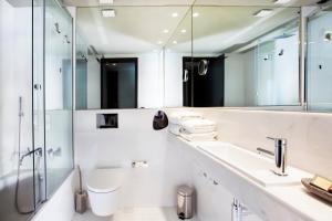 Um banheiro em Vitoria Stone Hotel