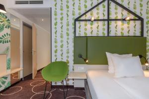 A seating area at Mercure Hotel Hannover Mitte