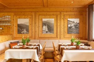 Ein Restaurant oder anderes Speiselokal in der Unterkunft Pension-Appartement Mitterhofer
